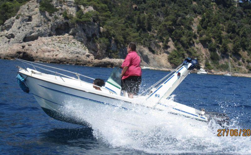 location bateau moteur open cap ferret b2 500 sur le port. Black Bedroom Furniture Sets. Home Design Ideas